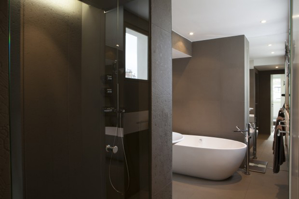 quelques astuces pour moderniser sa salle de bain. Black Bedroom Furniture Sets. Home Design Ideas