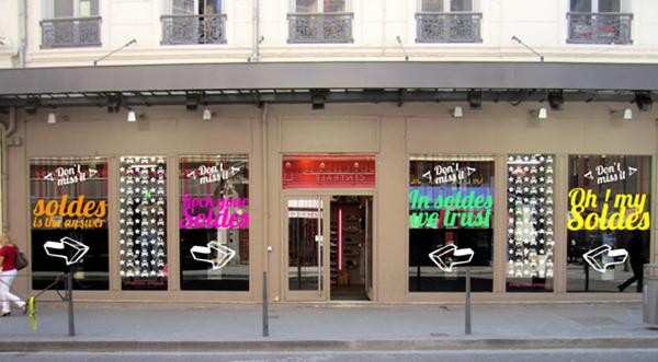 signalétique vitrine magasin