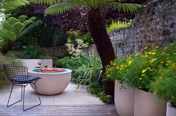 Astuces pour am nager une terrasse tout en longueur for Jardin en longueur